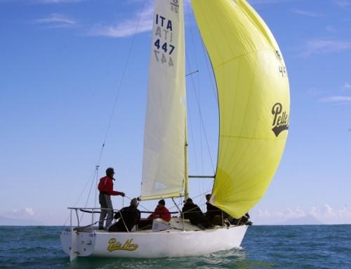 Il J24 Nuvola La Superba timonato da Bonanno vince la II manche del 43° Invernale di Anzio Nettuno